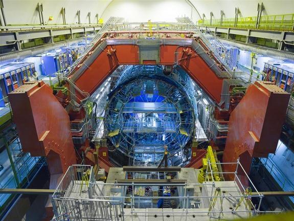درون بزرگترین آزمایشگاه فیزیکی جهان چه میگذرد؟