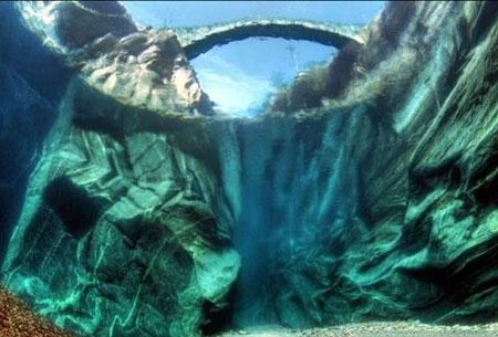 رودخانه زلال