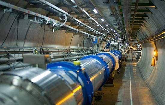 ذره گریزان بوزون هیگز کشف شد