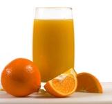 آب پرتقال به سلامت پوست، مو و ناخن کمک میکند