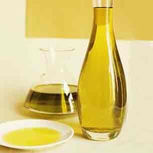 آشنایی با کاربردهای روغن زیتون در خانهداری