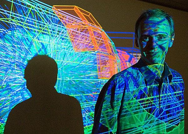 دیوید اوانز رئیس تیم بریتانیا در آشکارساز آلیس،برخورددهنده بزرگ هادرون