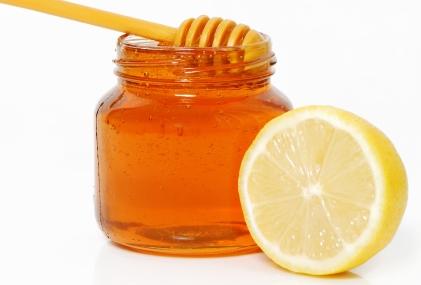 7 ماده غذایی مفید برای تسکین گلودرد