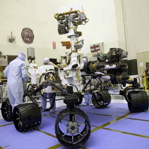 حرکت مریخ نورد ناسا با برنامه آیفون