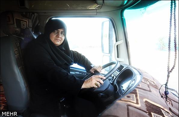 نخستین زن لرستانی راننده تریلر