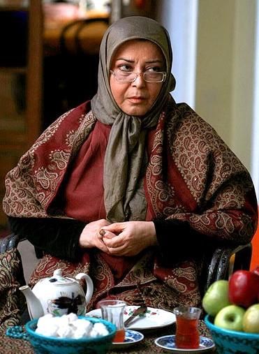 زندگینامه: نادیا دلدار گلچین