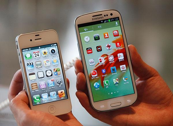 Apple's iPhone 4s and Samsung's Galaxy S III