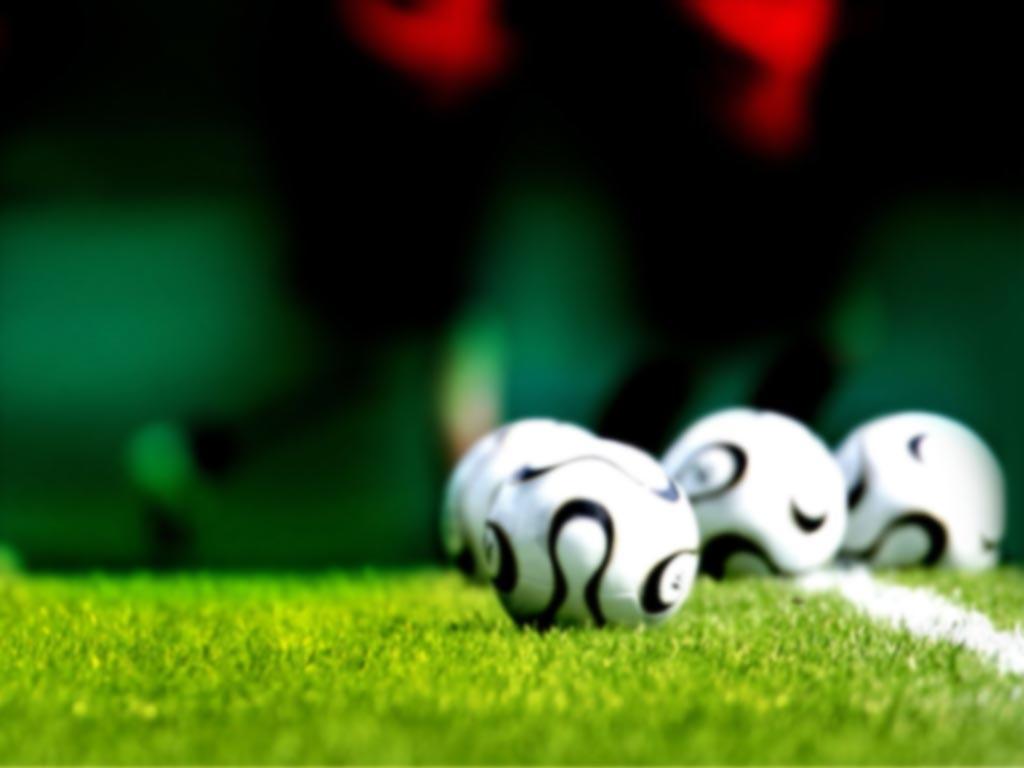توپ فوتبال - دروازه