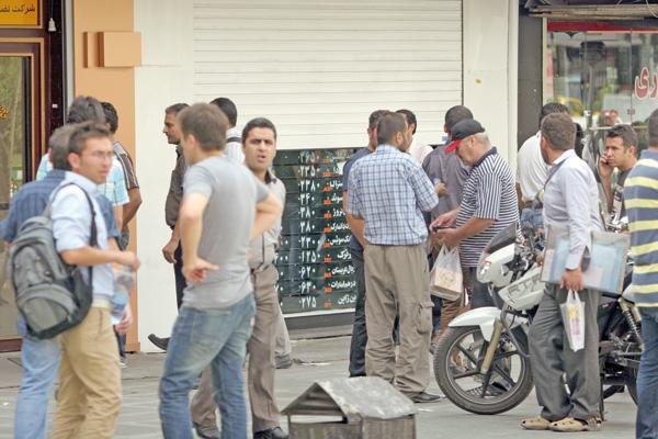 توصیه کارشناسان برای بازگشت ثبات به بازار ارز