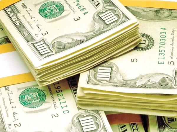 وزیر اقتصاد: دانشجویان غیربورسیه از بازار آزاد ارز تهیه کنند