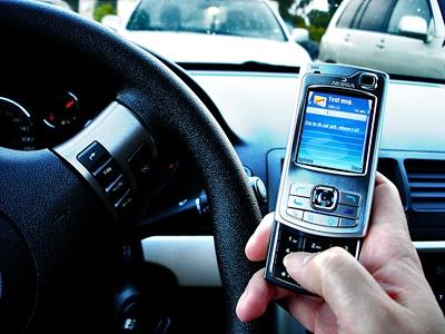 مکالمه با موبایل هنگام رانندگی