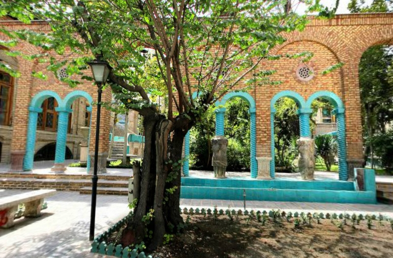 آشنایی با خانه مقدم - تهران