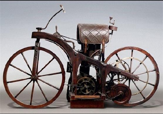 اولین موتور سیکلت جهان