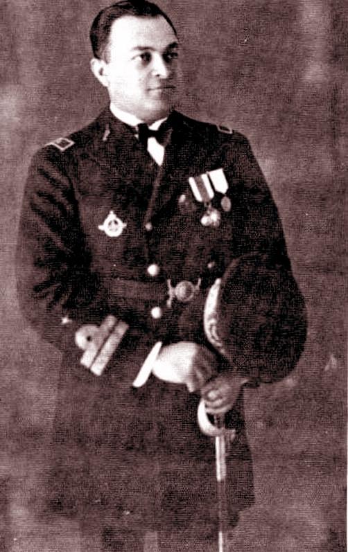 نخستین خلبان ایرانی و نخستین فرمانده نیروی هوایی ایران