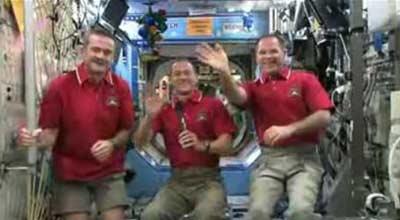ارتباط تصویری خدمه ایستگاه فضایی و تبریک سال نو میلادی