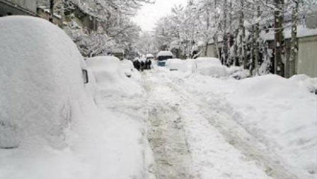 بارش 2 متر برف در پیرانشهر