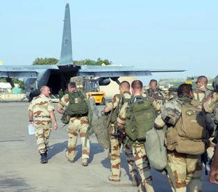 حمایت نظامی انگلیس از جمله فرانسه به مالی