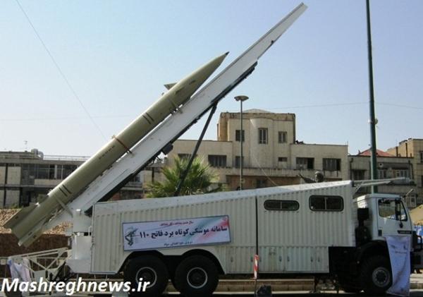 پرتابگر موشک فاتح-110 با اتاقک سامانه های فرماندهی