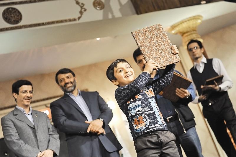صحبتهای برگزیدگان جشنواره کودک در روی سن