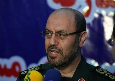 تاکید وزیر دفاع بر توسعه مرکز فرهنگی و بصیرت افزایی امام خمینی(ره)