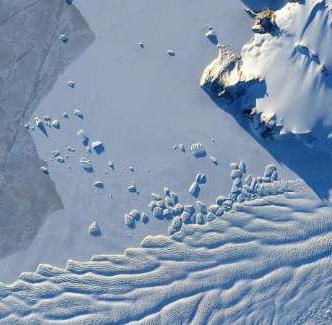 کشف یخچال طبیعی ۱۰۰ هزار ساله در حاشیه دریاچه بایکال