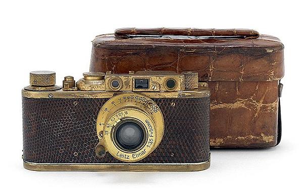 گرانقیمتترین دوربین جهان حراج میشود