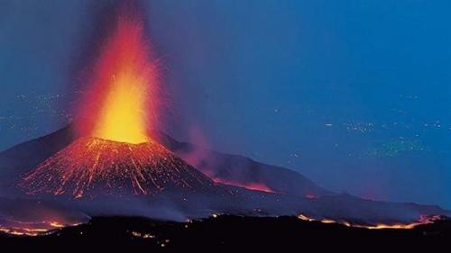 تصاویر / آتشفشان اتنا فوران کرد