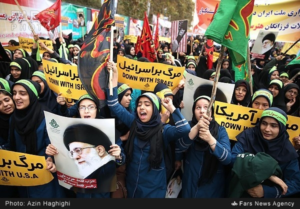 گزارش تصویری از راهپیمایی ۱۳ آبان