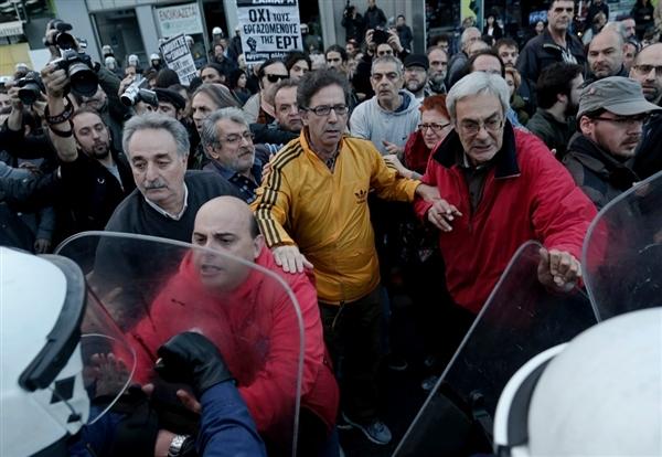 تنش سیاسی در یونان بالا گرفت