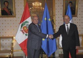 توافقنامه دفاعی پرو و فرانسه