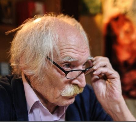 «کلنل» محمود دولتآبادی جایزه «میخالسکی» سوییس را بهدست آورد