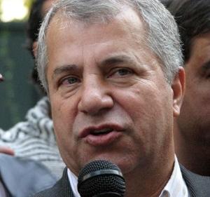 پروین: با جرزنی و کمک داور هم شده آثمیلان را شکست میدهیم