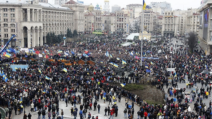 تظاهرات دهها هزار اوکراینی علیه رئیس جمهور