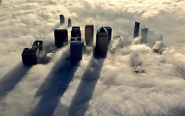 London,فرو رفتن لندن در مه غلیظ