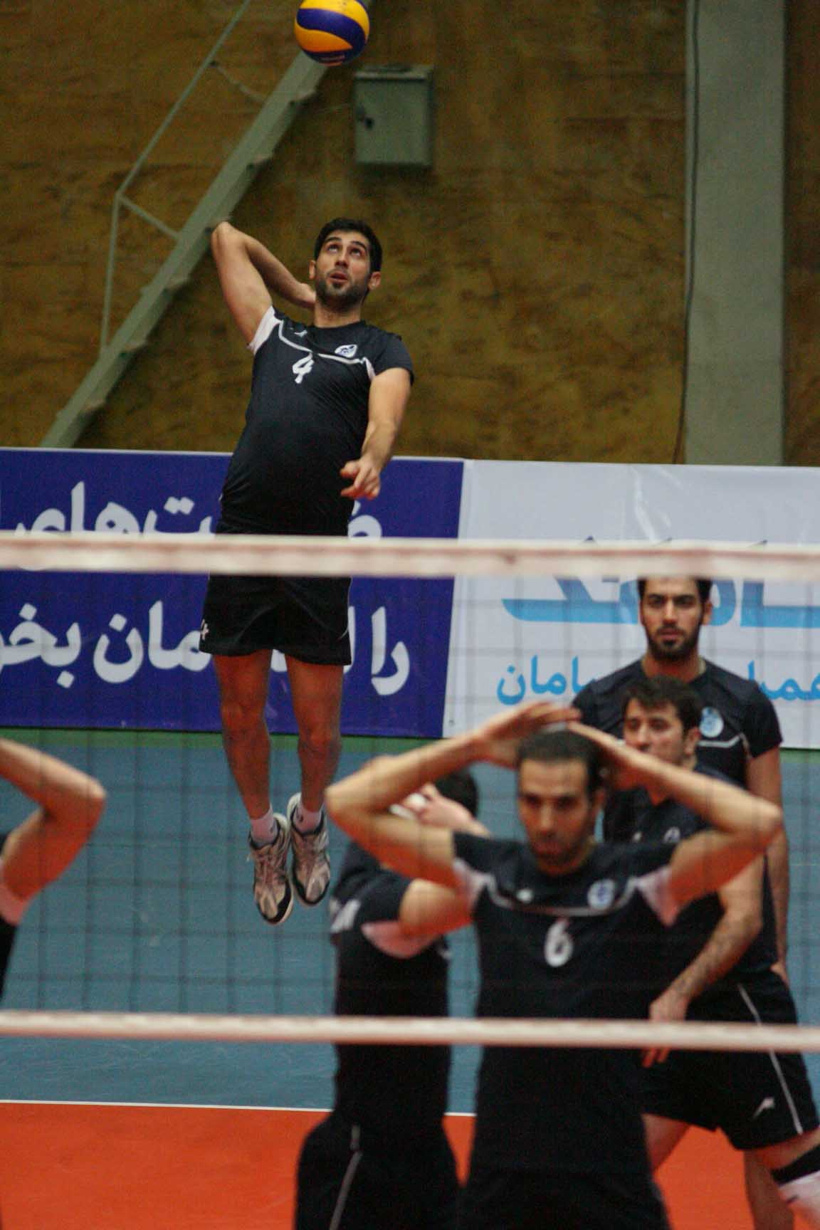 نماهایی از دیدار والیبال پیکان تهران و باریج اسانس کاشان