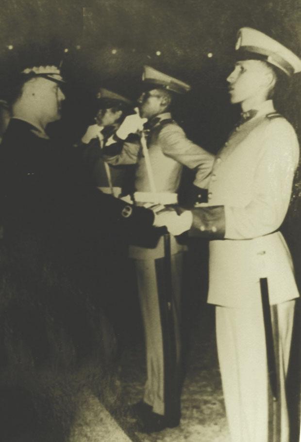 سمت راست،سالهای حضور در آکادمی ارتش