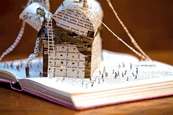 مجسمههایی از جنس کتاب و شعر و داستان