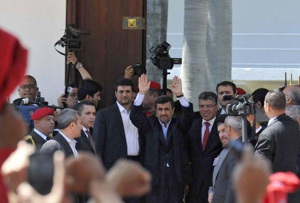 محمود احمدی نژاد در مراسم تشییع جنازه هوگو چاوز