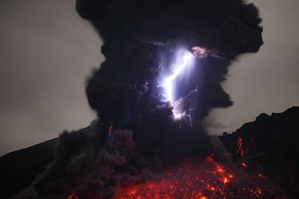 volcanic storm3