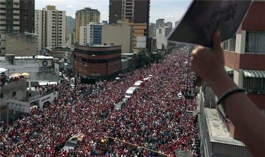 تصاویر انتقال پیکر چاوز به آکادمی ارتشی کاراکاس