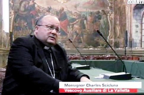 اسقف کلیسا از رابطه میان معضل کودک آزاری کشیشان و استعفای پاپ پرده برداشت