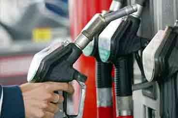 ایران رکورددار مصرف بنزین جهان شد؛ سه عامل جهش مصرف بنزین در نوروز