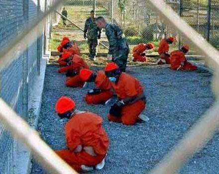 ادامه اعتصاب غذای زندانیان گوانتانامو