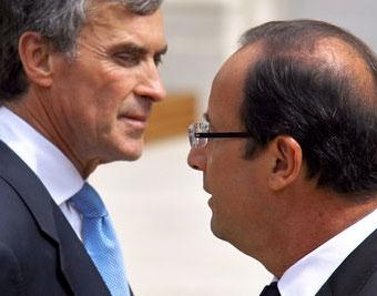 پیامدهای شوک سیاسی در فرانسه؛ کابینه استعفا دهد