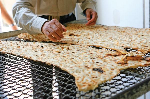 نان سفید و شور، سلامت مردم را تهدید میکند