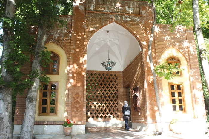 این باغ ایرانى است