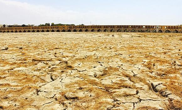 کمبود 800 میلیون مترمکعب آب در حوضه زاینده رود