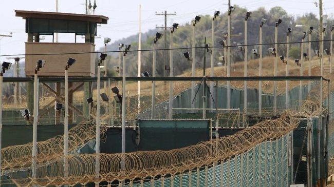 مقامهای گوانتانامو، زندانیان را مورد بازرسی بدنی تحقیر آمیز قرار میدهند