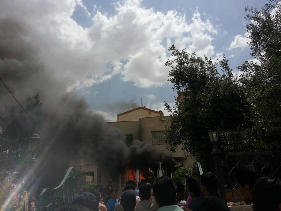 مرقد جعفر طیار صحابی پیامبر (ص) در اردن به آتش کشیده شد