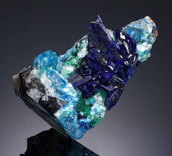 حراج یک تکه سنگ معدنی به قیمت 100 هزار دلار